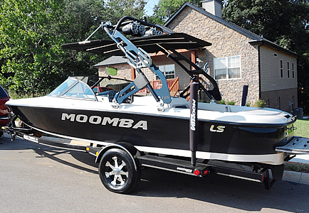 Moomba LS with FreeRide Wakeboard Tower