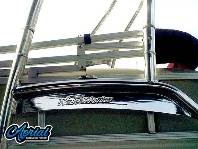 2010 Sun Tracker Party Barge 240 tower]