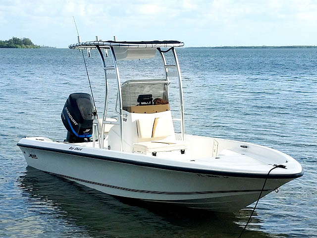 t top for 2003 Mako Bayshark center console boat
