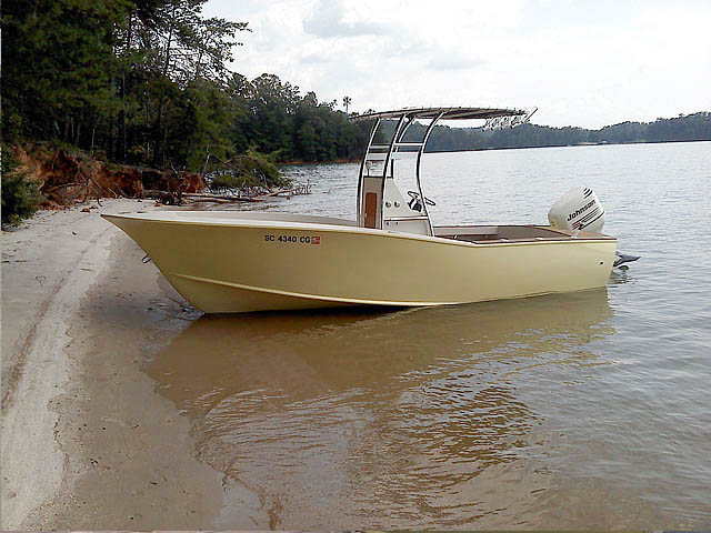 t top for Custom cold moulded 20' carolina style center console boat