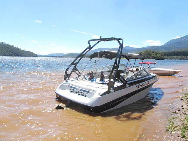 Crownline 180BR 2010 boat wakeboard tower