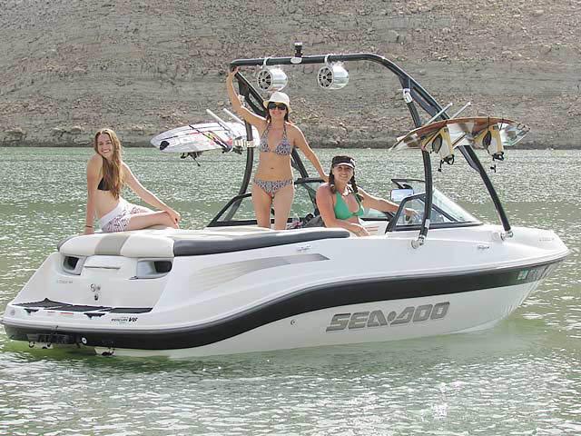 2005 Sea Doo Utopia 185 boat wakeboard towers