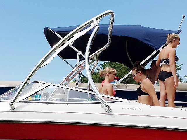 1994 Four Winns 180 Horizon SE (19') boat wakeboard tower