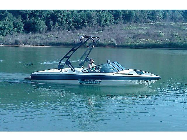 1997 Malibu Response LX boat wakeboard tower