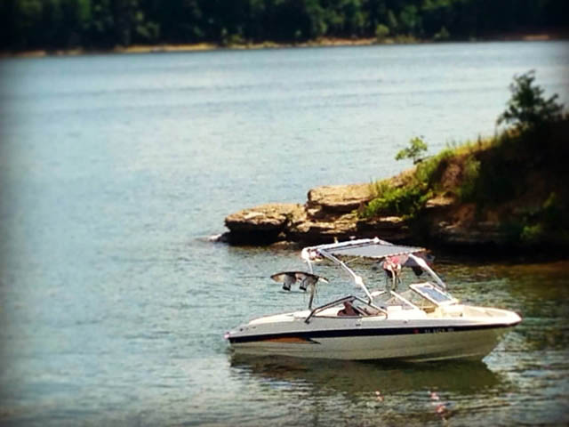 2004 Bayliner 205 boat wakeboard tower