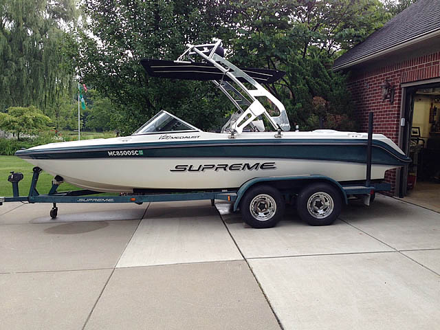 1998 Ski Supreme V210 Medalist boat wakeboard towers installed on 11/29/2014