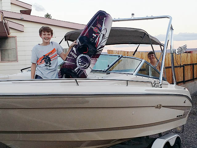 1994 Sea Ray Signature Select 220 boat wakeboard tower