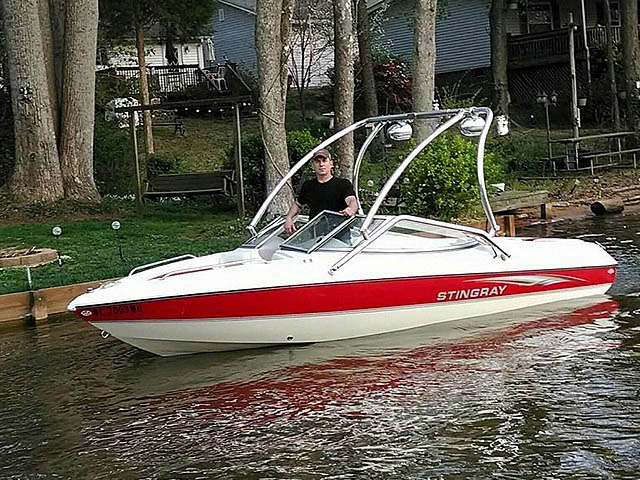 2003 Stingray 180LS boat wakeboard towers