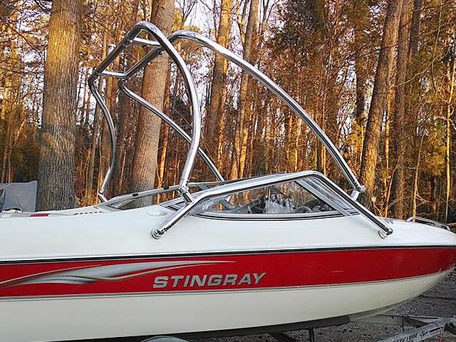 2003 Stingray 180LS boat wakeboard tower
