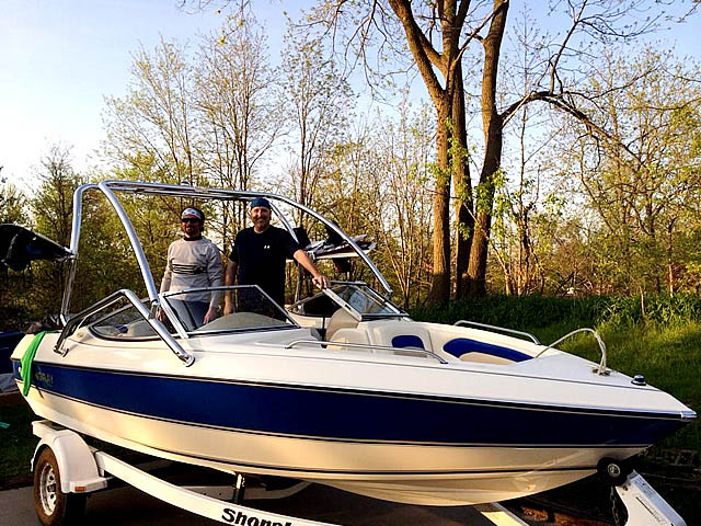 1996 Stingray 606ZP boat wakeboard towers