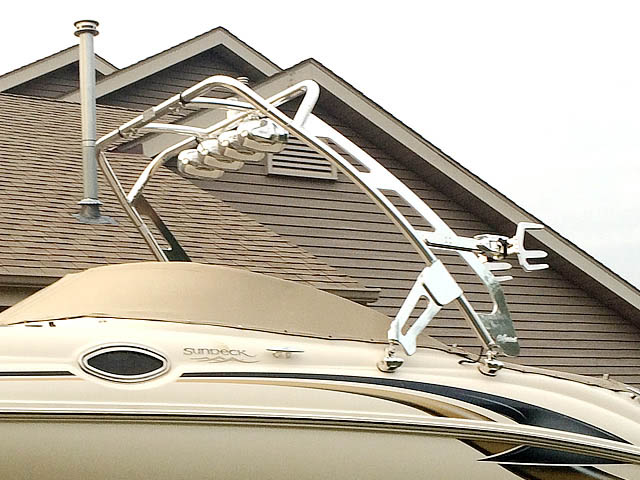 01 Sea Ray Sundeck boat wakeboard tower