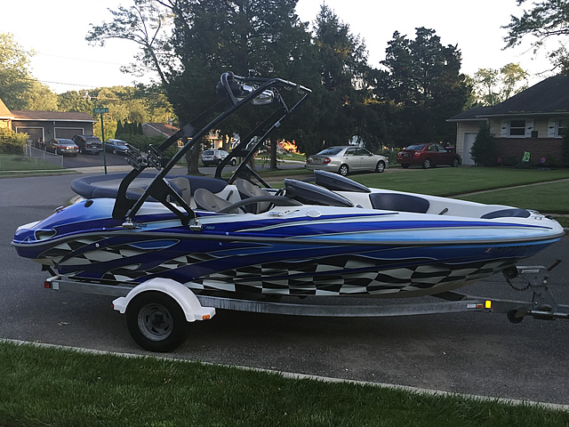 2001 Sea Doo Challenger 2000 240hp boat wakeboard towers