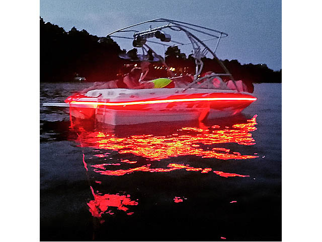 2008 Bayliner F18 boat wakeboard towers