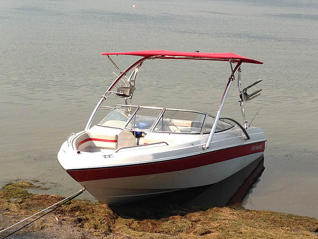 1994 Four Winns 180 Horizon SE boat wakeboard towers
