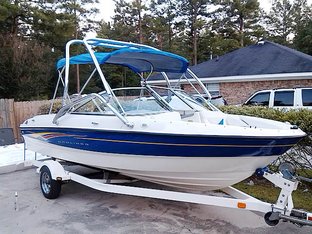 2007 Bayliner 185  boat wakeboard towers