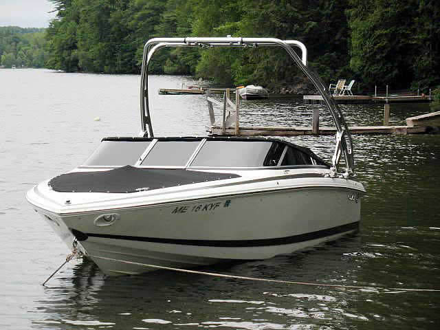 2001 COBALT 226 boat wakeboard tower