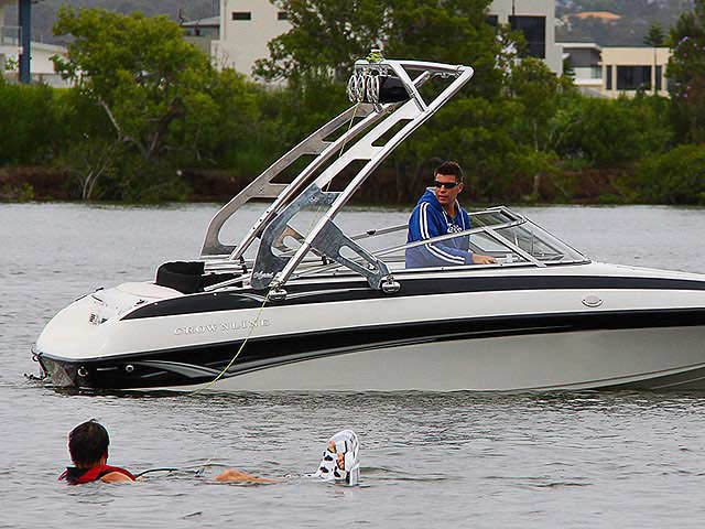 180 Crownline boat wakeboard tower