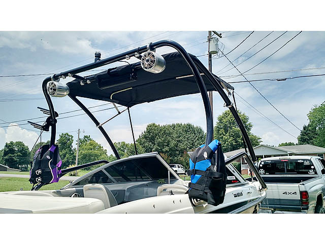 2009 Bayliner BR185 boat wakeboard tower