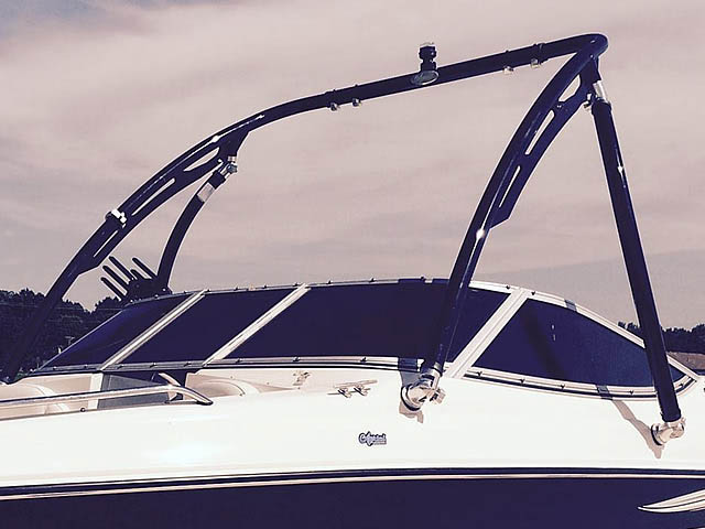 2008 Stingray 185 LX boat wakeboard tower