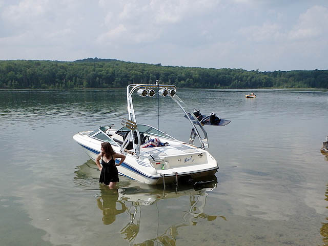 1990 Sea Ray 170 boat wakeboard towers