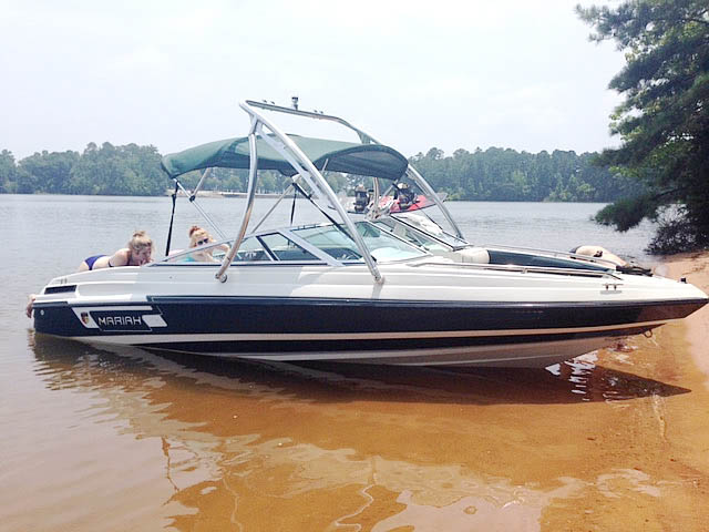 1994 Mariah Tulare 200 boat wakeboard towers