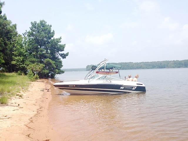 1994 Mariah Tulare 200 boat wakeboard tower