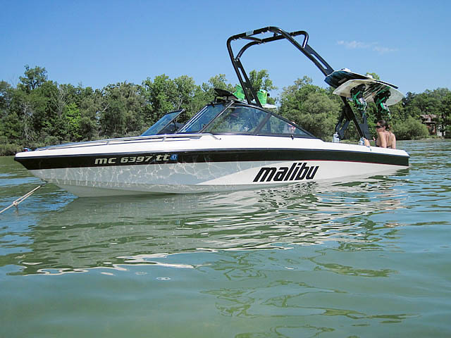 1998 Malibu boat wakeboard towers