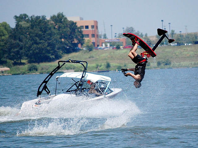 wakeboard tower for 1995 Ski Nautique boat reviewed 10/10/2015