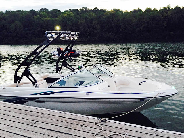 1998 Sea Ray 180BR boat wakeboard towers