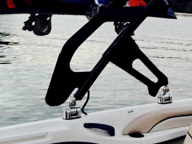 1998 Sea Ray 180BR boat wakeboard tower