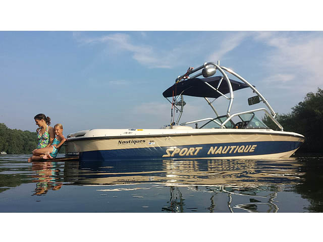 1998 Correct Craft Sport Nautique boat wakeboard tower