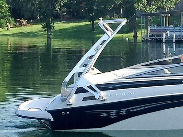 2005 Crownline 236 boat wakeboard tower