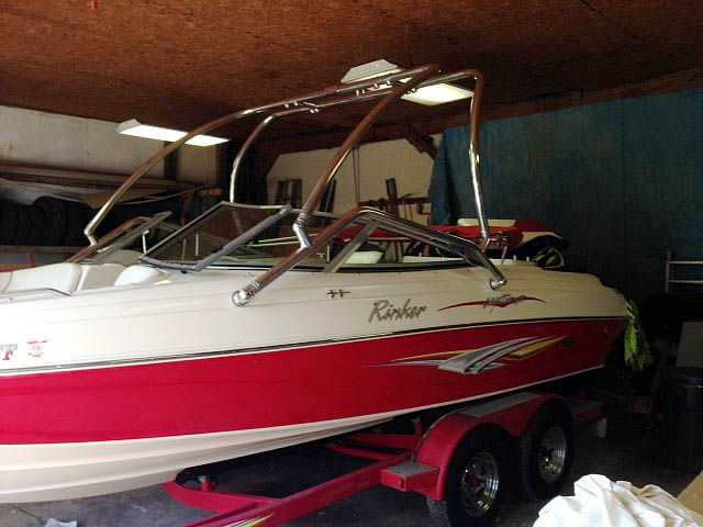 2006 Rinker Captiva 212 boat wakeboard tower