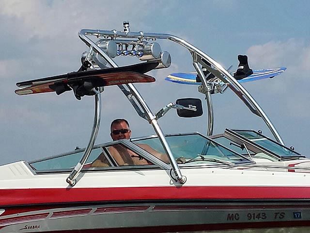 1994 Mariah 202 Shabah  boat wakeboard tower
