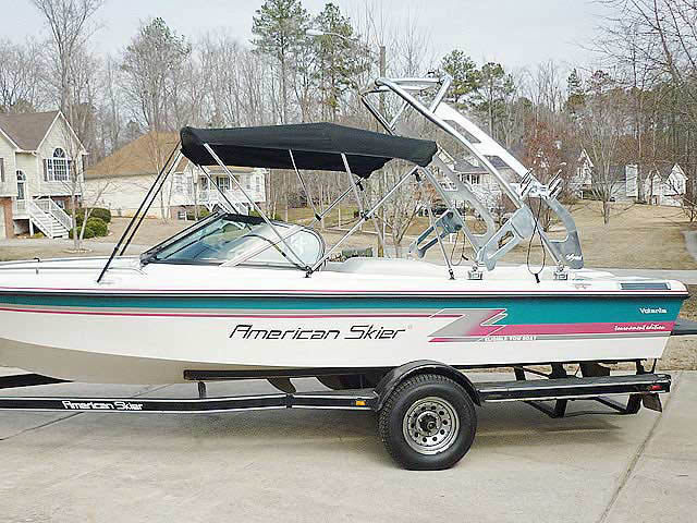 1993 American Skier Volante boat wakeboard towers