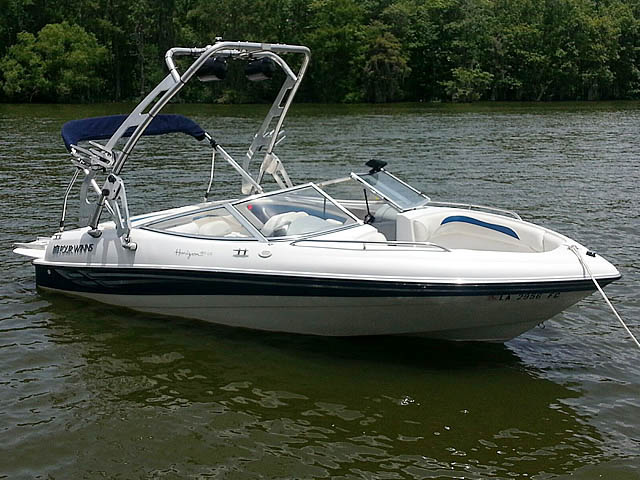2000 Four Winns Horizon boat wakeboard towers