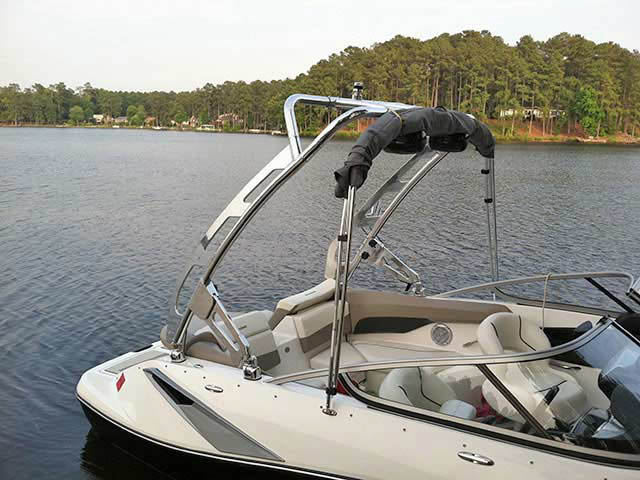 Sea Doo 210 Challenger SE boat wakeboard tower
