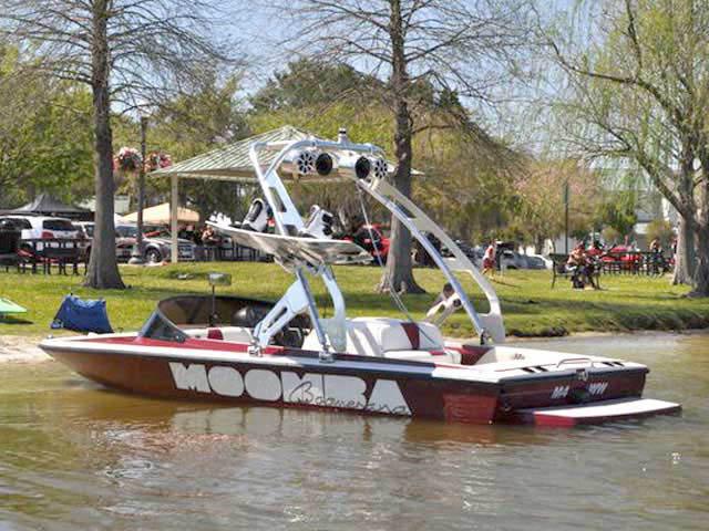 Moomba Boomerang boat wakeboard towers
