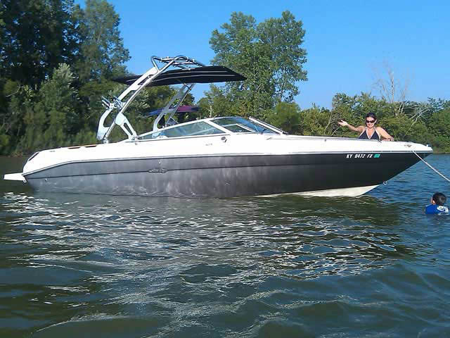 1993 Sea Ray 240BR boat wakeboard towers