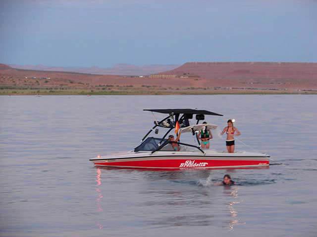 1992 Ski Brendella Pro Comp boat wakeboard towers