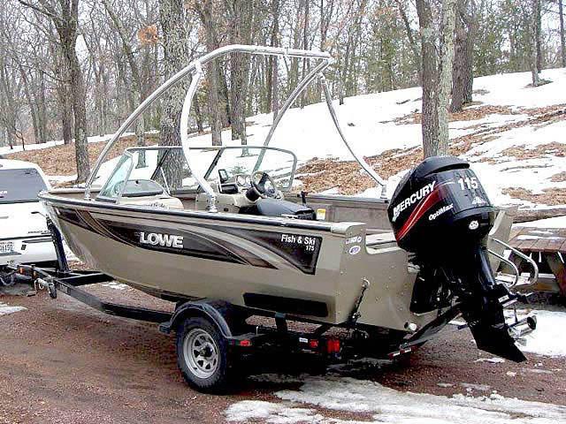 2005 lowe fish and ski boat wakeboard towers