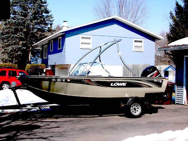 2005 lowe fish and ski boat wakeboard tower