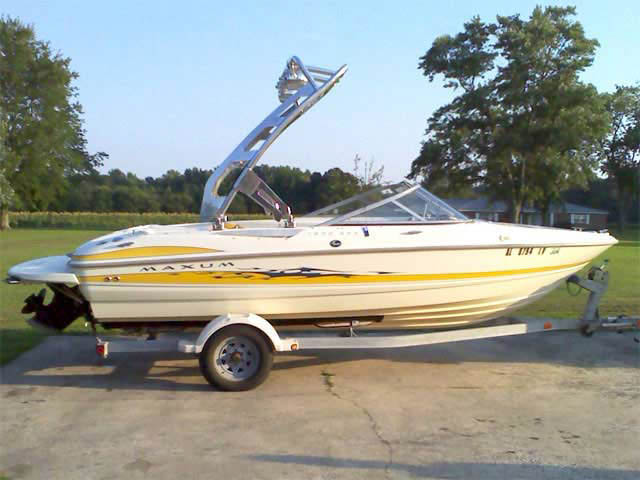 2006 maxum boat wakeboard towers