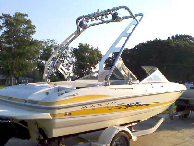 2006 maxum boat wakeboard tower