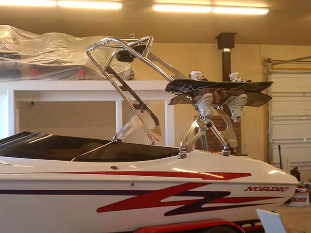 99 Nordic Sprint boat wakeboard tower