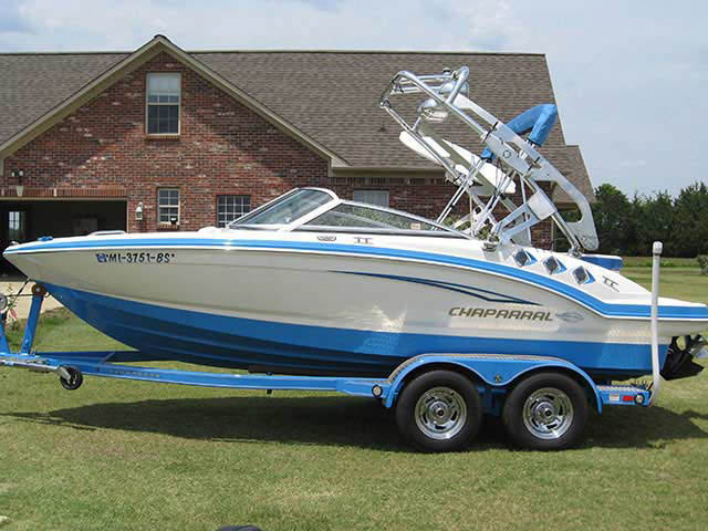 2010 CHAPARRAL 196SSi boat wakeboard tower