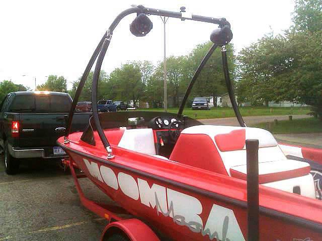 1997 Moomba Boomerang boat wakeboard towers