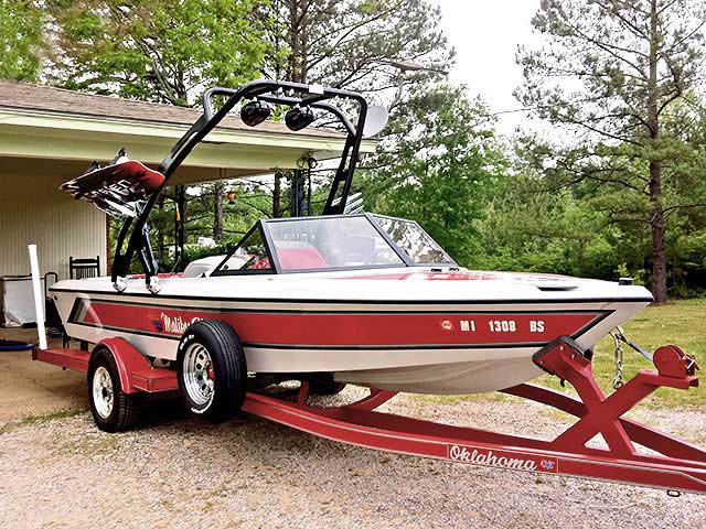 1991 Malibu Skier boat wakeboard tower