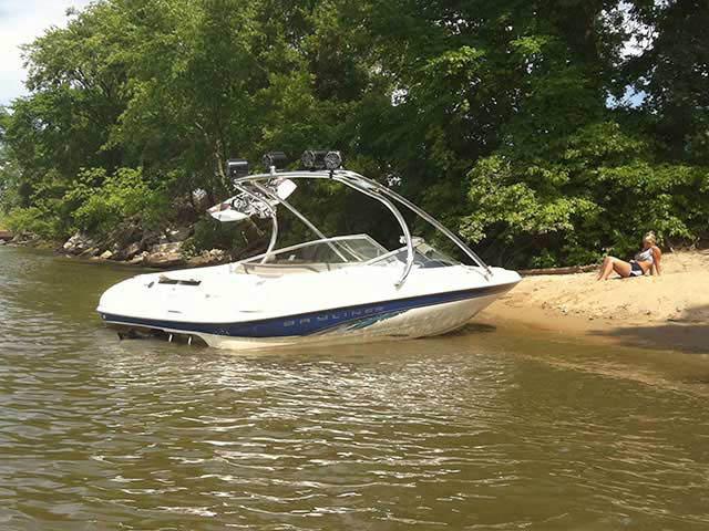 Bayliner boat wakeboard tower
