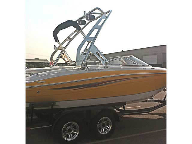 2008 Four Winns 210 Horizon boat wakeboard tower